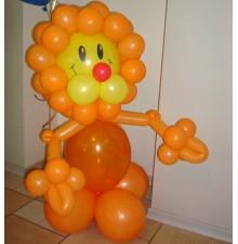 """Фигура """"Лев"""" из воздушных шаров"""