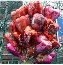 Пучок фольгированных шаров сердец