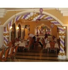 Арка трехцветная свадебная из шариков