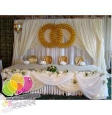 Драпировка тканью свадебного стола