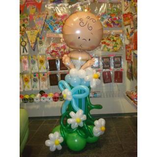 Фольгированный пупс на стойке из шаров