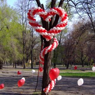 Плетенное сердце + гирлянда из шаров