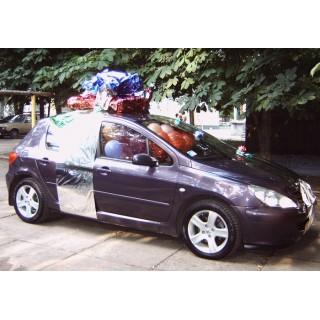 Украшение машины фольгой и шарами